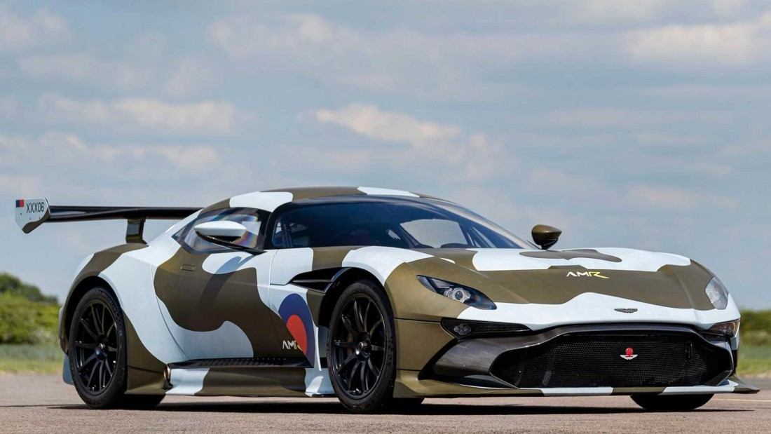 Aston Martin Vulcan >> This Is The Only Road Legal Aston Martin Vulcan In The World
