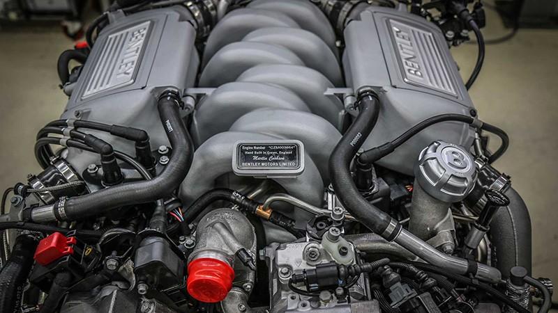 A bentley V8 engine