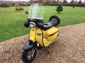 View our LAMBRETTA GP200