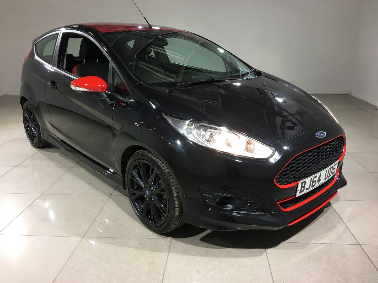 2014 ford fiesta zetec s black edition 9 793. Black Bedroom Furniture Sets. Home Design Ideas
