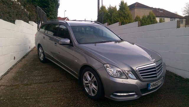 2010 60 MERCEDES-BENZ E CLASS 2.1 E250 CDI BLUEEFFICIENCY AVANTGARDE 5d AUTO 204 BHP