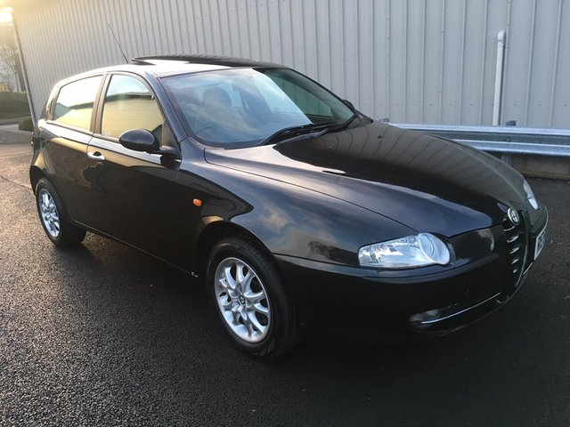 2004 54 ALFA ROMEO 147 1.6 T.Spark Lusso Hatchback 5dr Petrol Manual (194 g/km, 120 bhp)