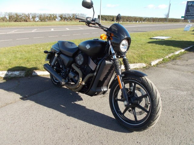 2015 65 HARLEY-DAVIDSON STREET XG750 STREET Custom Vance & Hines Stage 1, Only 1000 miles from new