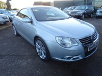 USED 2008 08 VOLKSWAGEN EOS 2.0 SPORT TDI DSG 2d AUTO 138 BHP 9 SERVICE STAMPS RED SPORTS  LEATHER 12 MONTHS MOT 2 KEYS