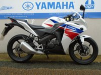 USED 2014 63 HONDA CBR125 WHITE/RED  ** VERY LOW MILES **