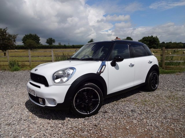 2013 13 MINI COUNTRYMAN 2.0 COOPER SD 5d AUTO 141 BHP