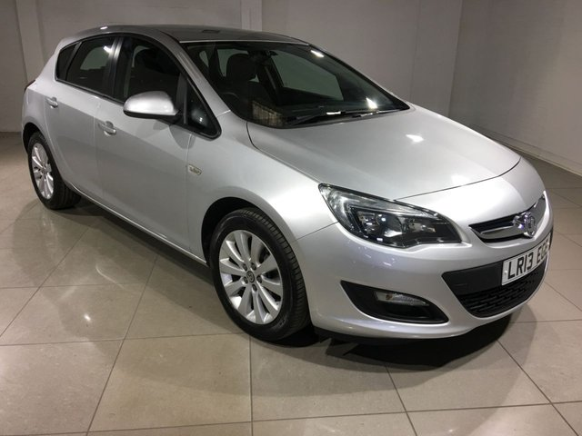 View our 2013 13 VAUXHALL ASTRA 1.7 EXCLUSIV CDTI ECOFLEX S/S 5d 110 BHP