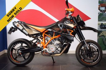 View our KTM 950 SUPERMOTO LC8