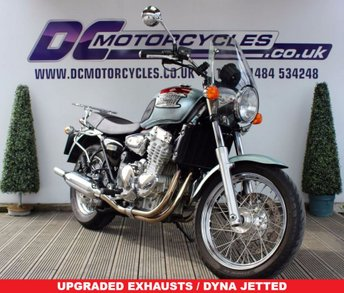 View our TRIUMPH THUNDERBIRD 900