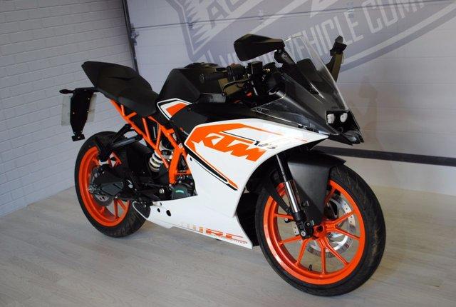 2016 66 KTM RC 125 125cc RC 125 16