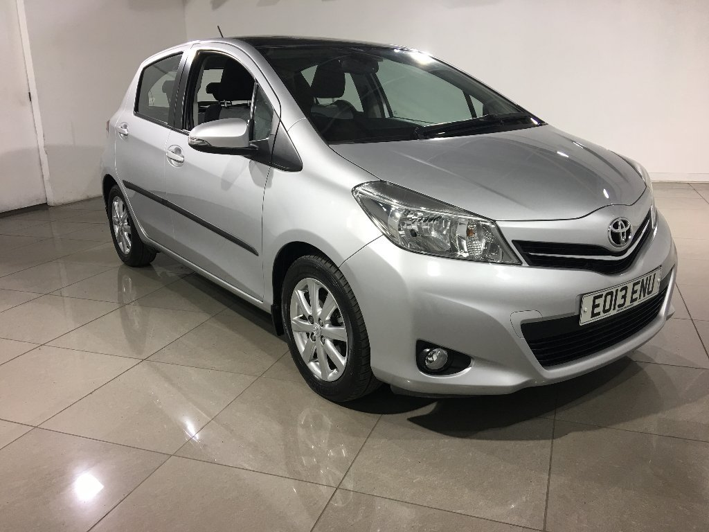 USED 2013 13 TOYOTA YARIS 1.33 VVT-i T Spirit M-Drive S 5dr Panoramic Roof/Nav/1 Owner