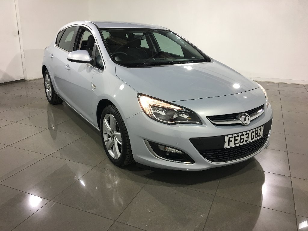 USED 2013 63 VAUXHALL ASTRA 1.6 i VVT 16v SRi 5dr 1 Owner / Cruise Control