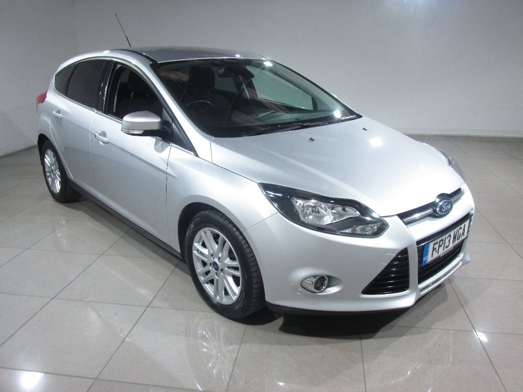 USED 2013 13 FORD FOCUS 1.6 TDCi Titanium 5dr Bluetooth / DAB Radio