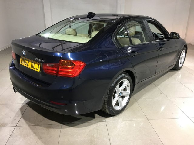 BMW 3 SERIES at Click Motors