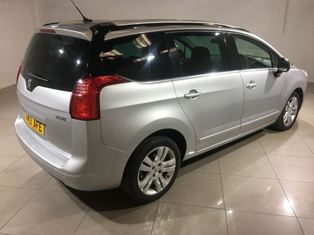 PEUGEOT 5008 at Click Motors