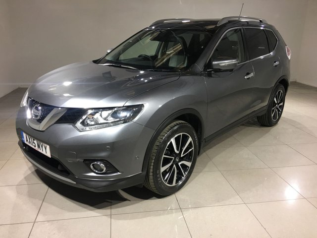 NISSAN X-TRAIL at Click Motors