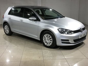 2013 VOLKSWAGEN GOLF}