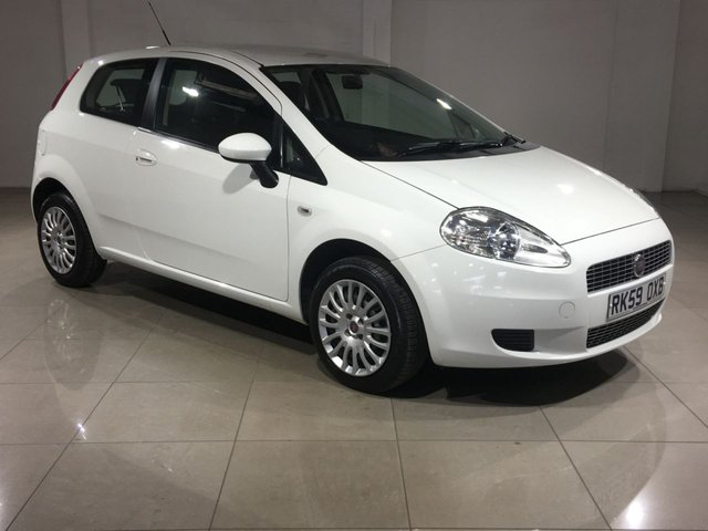 View our 2009 59 FIAT GRANDE PUNTO 1.4 DYNAMIC DUALOGIC 3d AUTO 77 BHP