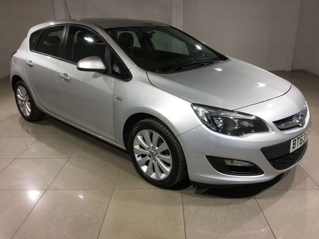 View our 2013 63 VAUXHALL ASTRA 1.6 EXCLUSIV 5d 113 BHP