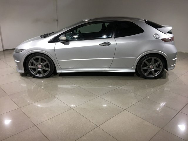 HONDA CIVIC at Click Motors