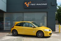 USED 2008 58 RENAULT MEGANE 2.0 RENAULTSPORT F1 TEAM R26 3d 225 BHP JUST 19,000 MILES FROM NEW, LIQUID YELLOW, LUX PACK, IMMACULATE CONDITION