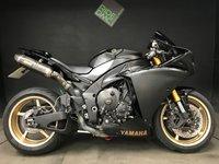 2009 YAMAHA YZF R1 09. BIG BANG. 20K. FSH. FULL AKRAPOVIC. MANY EXTRAS £6999.00