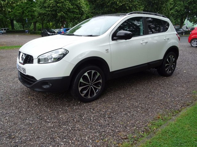 2013 63 NISSAN QASHQAI 1.5 DCI 360 5d 110 BHP   DIAMOND WHITE/ BLACK FABRIC