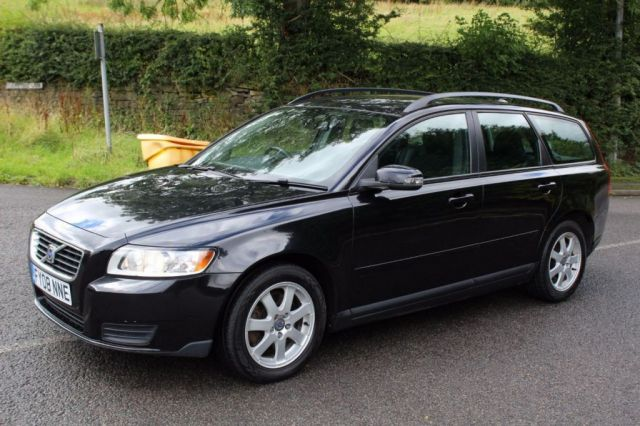 View our VOLVO V50
