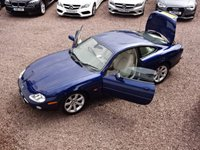 USED 2002 52 JAGUAR XK8 4.2 COUPE 2d AUTO 292 BHP CLASSIC GENTLEMAN'S COUPE, APPRECIATING FUTURE CLASSIC, COMPREHENSIVE SERVICE HISTORY WITH 14 STAMPS, MOT TILL JUNE 2018