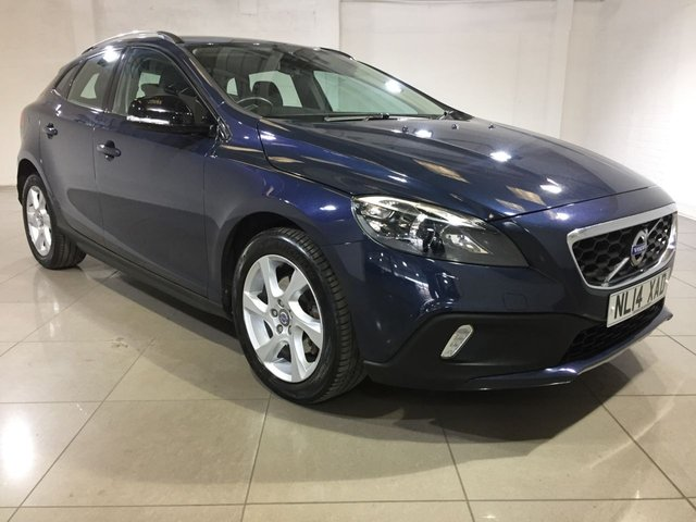 View our 2014 14 VOLVO V40 1.6 D2 CROSS COUNTRY LUX 5d 113 BHP