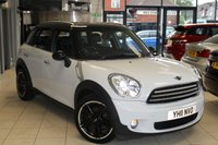 USED 2011 11 MINI COUNTRYMAN 1.6 COOPER D 5d 112 BHP HALF BLACK LEATHER SEATS + BLUETOOTH + DAB RADIO + XENONS + REAR PARKING SENSORS + CHILI PACK + FRONT SPORT SEATS + 16 INCH ALLOYS