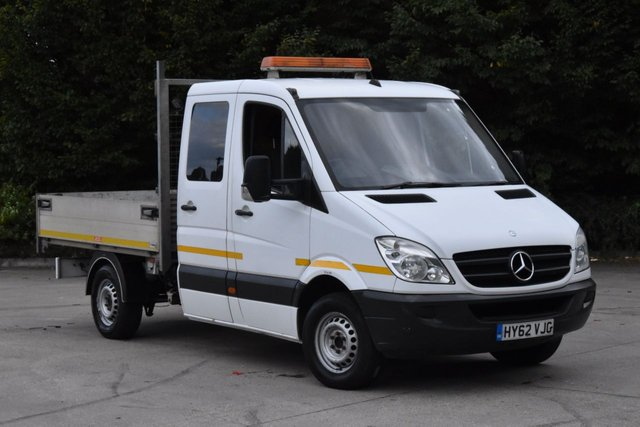 2012 62 MERCEDES-BENZ SPRINTER 2.1 313 CDI D/C MWB 4d 129 BHP 3 SEATER DIESEL AUTOMATIC TIPPER ONE OWNER FULL S/H SPARE KEY