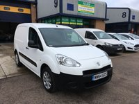 USED 2015 64 PEUGEOT PARTNER 1.6 HDI PROFESSIONAL L1 850 1d 89 BHP A/C, BLUETOOTH, 3 SEATS, E/W, 6 MONTH WARRANTY & FINANCE ARRANGED. Recent full service, A/C, Bluetooth, E/W, Radio/CD, Drivers airbag, Factory fitted bulk head, Side loading door, Ply-lined. WHITE, Very Good Condition, 1 Owner, remote Central Locking, Drivers Airbag, CD Player/FM Radio, Steering Column Radio Control, Side Loading Door, Wood Lined, Barn Rear Doors.