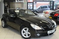 USED 2011 60 MERCEDES-BENZ SLK 1.8 SLK200 KOMPRESSOR 2d AUTO 184 BHP FULL MERCEDES BENZ SERVICE HISTORY + FULL NAPPA BLACK LEATHER SEATS + ROADSTER + 16 INCH ALLOYS + KEY FOB CLOSING ROOF SYSTEM + AIR CONDITIONING + ELECTRIC WINDOWS