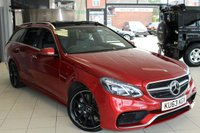 USED 2013 63 MERCEDES-BENZ E CLASS 5.5 E63 AMG 5d AUTO 550 BHP FULL NAPPA BLACK LEATHER SEATS + COMMAND SYSTEM + PANORAMIC ROOF + AMG RIDE CONTROL + ACTIVE BLIND SPORT ASSIST + AMG SPORT AIR SUSPENSION + HEATED FRONT AND REAR SEATS + 19 INCH ALLOYS + DYNAMIC LED HEADLIGHTS