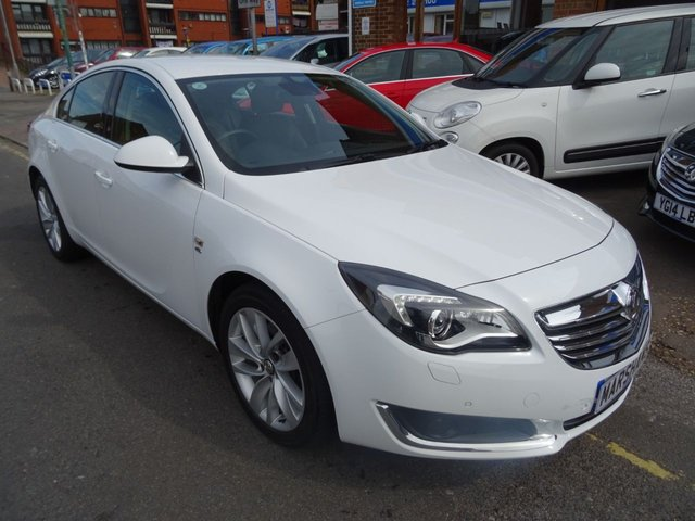 2014 14 VAUXHALL INSIGNIA 2.0 ELITE NAV CDTI 5d AUTO 160 BHP  CRYSTAL WHITE/BLACK LEATHER
