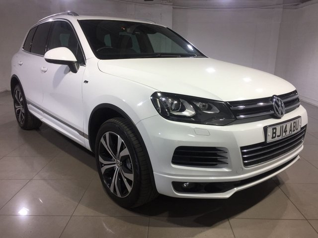 View our 2014 14 VOLKSWAGEN TOUAREG 3.0 V6 R-LINE TDI BLUEMOTION TECHNOLOGY 5d AUTO 202 BHP