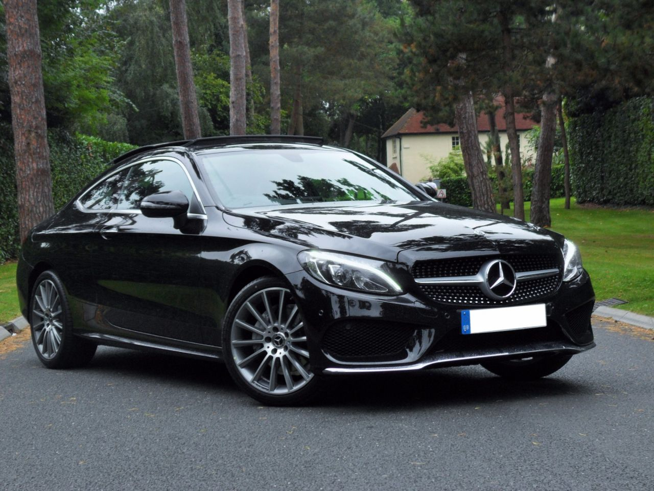 Mercedes benz c class coupe mercedes benz c class c200 amg for Mercedes benz 300 amg