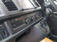 USED 2018 18 VOLKSWAGEN TRANSPORTER SHUTTLE SHUTTLE SE  AUTO D.S.G 150 BHP + SAT NAV +  LEATHER 2018/18  ( VW SHUTTLE AUTO D.S.G 150 BHP T6 L.W.B 2018/18  )