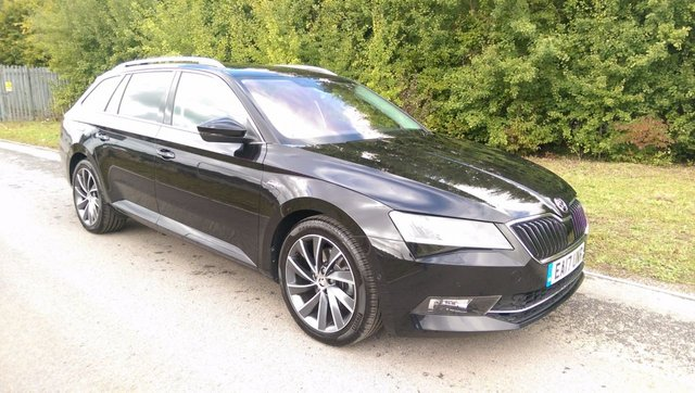 SKODA SUPERB at Click Motors