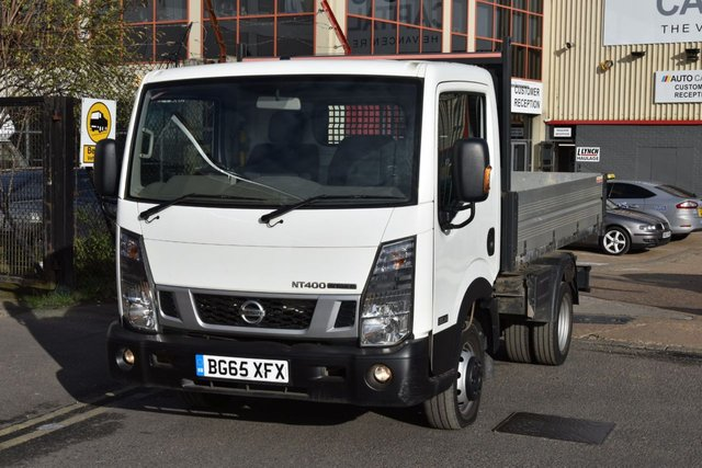 2015 65 NISSAN NT400 CABSTAR 2.5 DCI 35.14 TIPPER 2d 136 BHP SWB RWD DIESEL MANUAL TIPPER TWO OWNERS BARGAIN PRICE