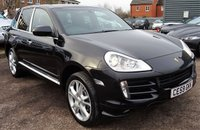 USED 2009 59 PORSCHE CAYENNE 3.0 D TIPTRONIC S 5d AUTO 240 BHP This Black Porsche Cayenne with Black Sports Leather comes with Aluminium pack