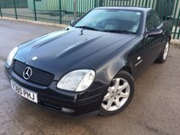 USED 1999 V MERCEDES-BENZ SLK 2.3 SLK230 KOMPRESSOR 2d AUTO 190 BHP LEATHER ELECTRIC HOOD MOT 03/19 ELECTRIC HOOD. BLACK MET WITH BLACK/GREY LEATHER TRIM. CRUISE CONTROL. 16 INCH ALLOYS. COLOUR CODED TRIMS. AIR CON. R/CD PLAYER. MOT 03/19. AGE/MILEAGE RELATED SALE. TEL 01937 849492