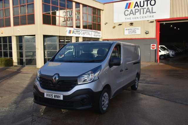 2015 15 RENAULT TRAFIC 1.6 LL29 BUSINESS DCI S/R P/V 5d 115 BHP L2H1 LWB FWD DIESEL PANEL MANUAL VAN  ONE OWNER FULL S/H  SPARE KEY