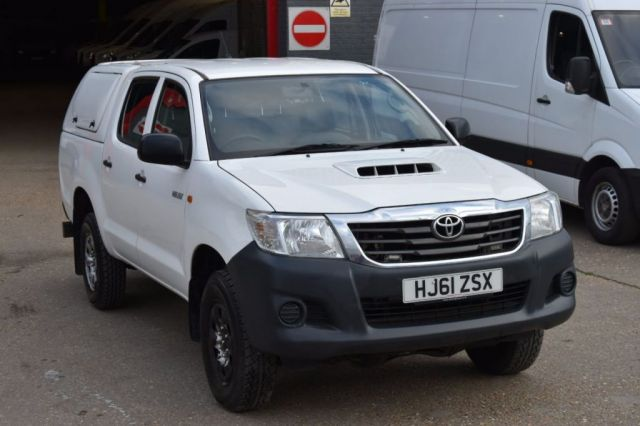 2011 61 TOYOTA HI-LUX 2.5 HL2 4X4 D-4D DCB 4d 142 BHP AIR CON DIESEL MANUAL LIGHT UTILITY PICK UP ONE OWNER FULL S/H SPARE KEY