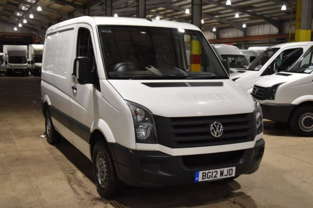 2012 12 VOLKSWAGEN CRAFTER 2.0 CR30 TDI 5d 107 BHP FWD SWB LOW ROOF AIR CON DIESEL PANEL MANUAL VAN ONE OWNER S/H CAMBELT CHANGE 73K