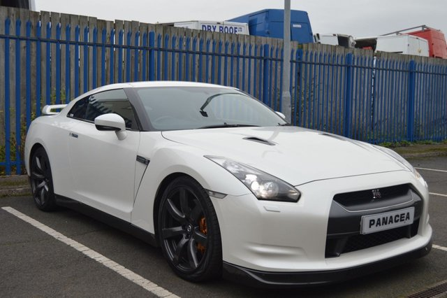 View our NISSAN GT-R