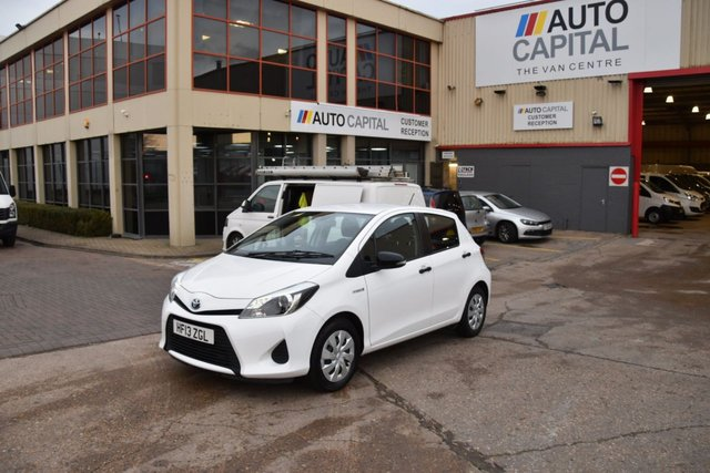 2013 13 TOYOTA YARIS 1.5 T3 HYBRID 5d AUTO 75 BHP AIR CON ECO/EV MODE DIESEL HATCHBACK CAR ONE OWNER S/H FREE ROAD TAX