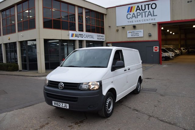 2012 62 VOLKSWAGEN TRANSPORTER 2.0 T28 TDI BLUEMOTION TECHNOLOGY 5d 84 BHP SWB AIR CON DIESEL MANUAL VAN ONE OWNER FULL S/H SAT NAV & CRUISE CONTROL