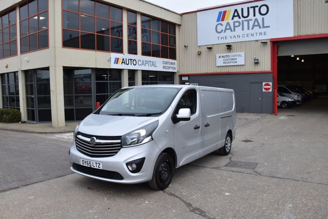 2015 65 VAUXHALL VIVARO VIVARO 2900 SPORTIVE CDTI L2H1 LONG WHEELBASE LOW ROOF 5d 114 BHP FWD DIESEL MANUAL SIX GEARBOX ONLY ONE OWNER FROM NEW